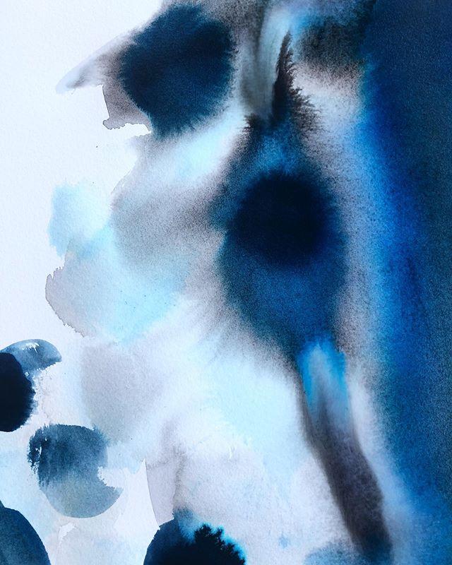 Working on a little commission. . . . . #bluehaze #boston #cambridge #livesimple #ohjoy #makersgonnamake #paintingoftheday #dsfloral #dspattern #surfacepattern #prettyinpink #pursuepretty #vegan #unstructured #summer  #abstract #abstractart #watercolor #instaart #flowers #ocean #sketch #moleskin #inkwash #hygge #instaart