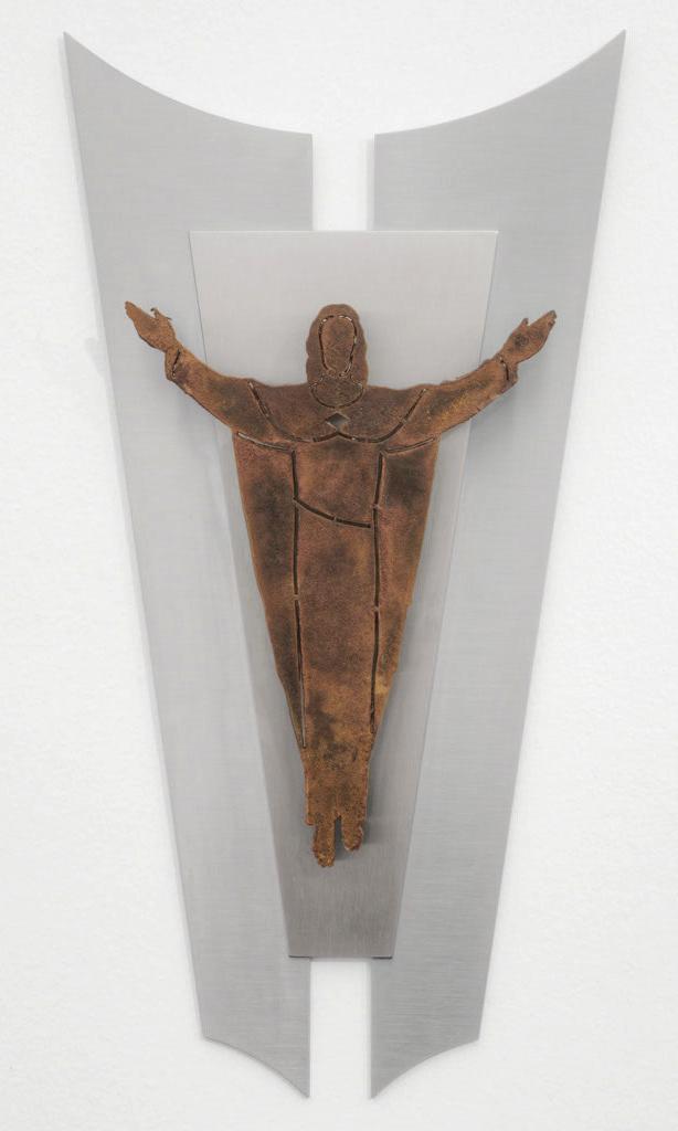 Auferstandener aus Corten mit Inoxhintergrund -   Cristo risortoin corten con sfondo in acciaio inox   Maße -  misure :  44,0 x 23,2 x 4,0 cm,   € 181,50  Maße -  misure :  38,6 x 20,4 x 4,0 cm ,  € 175,00