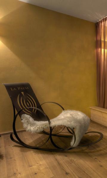 Schaukelliege ausStahlblech -  Sedia a dondolo in lamiera nera  Maße -  misure  :  140,0 x 55,0 x 90,0 cm,€ 650,00