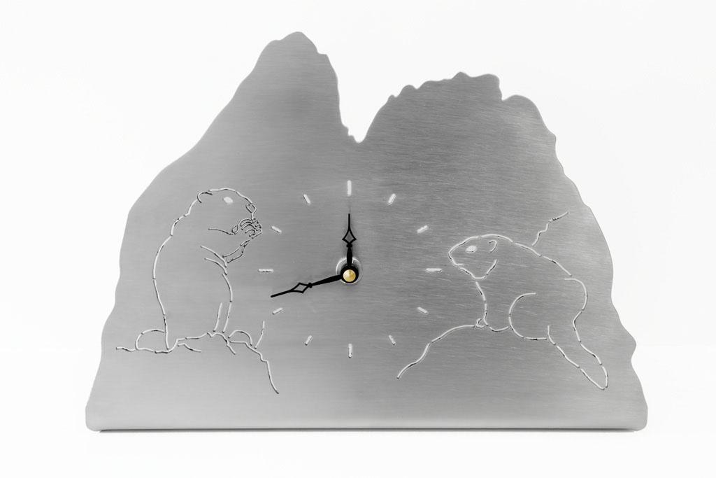 Möbeluhr Murmeltiere  - Orologio da tavolo marmotte    Maße -  misure :    4,5 x 28,5 x 20,0 cm, € 72,00