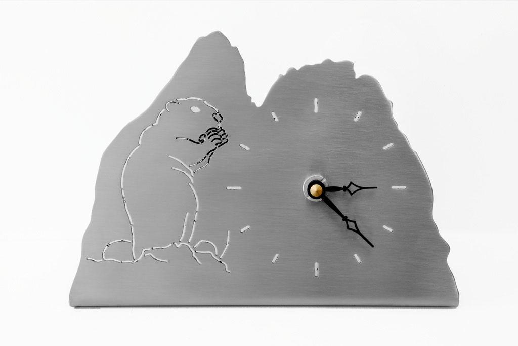 Möbeluhr Murmeltier -  Orologio da tavolo marmotte   Maße -  misure :  3,5x 20,0 x 13,5 cm,€ 67,00