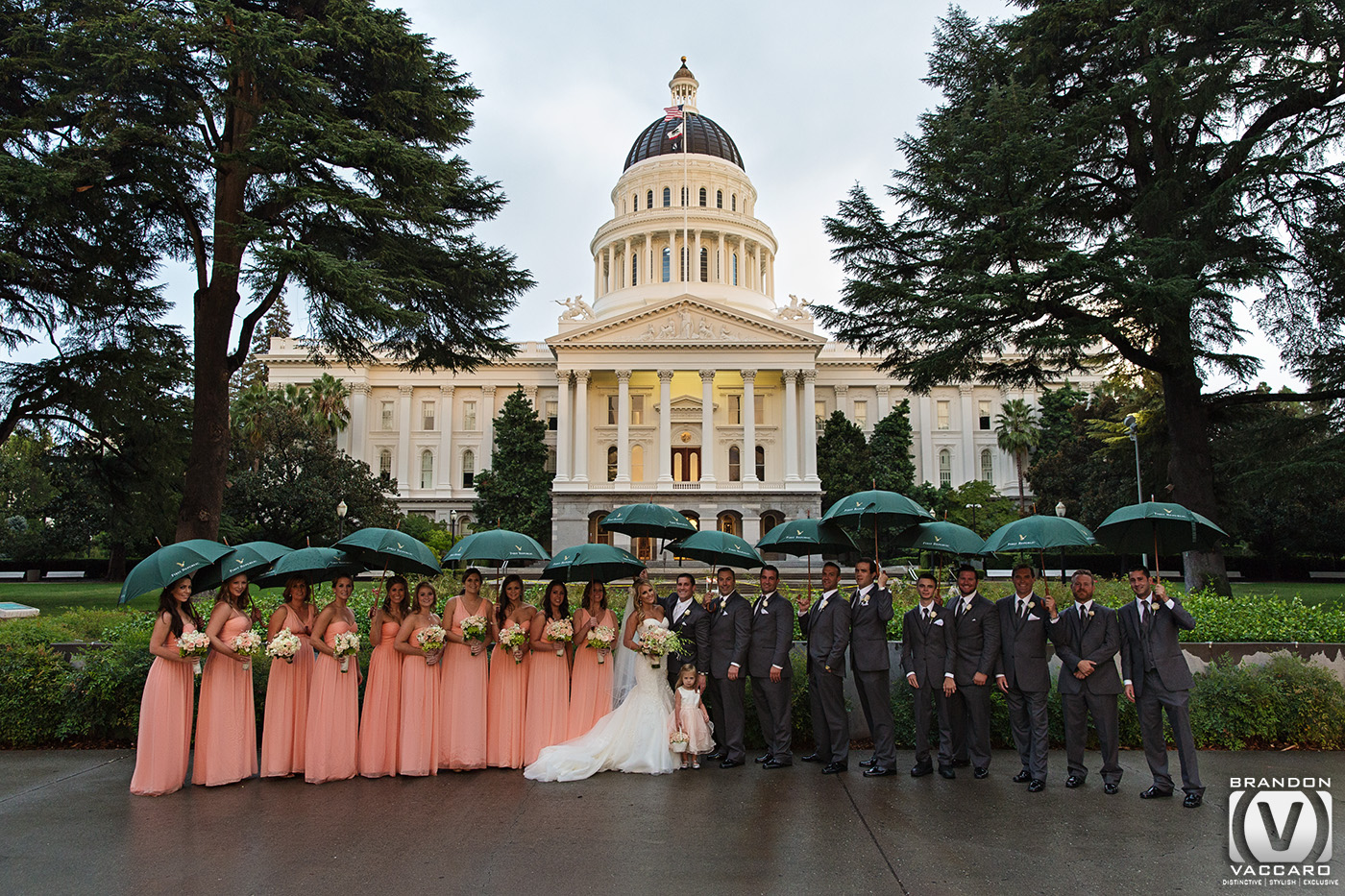 real-wedding-california-state-capital-bridal-party-in-th-rain.jpg