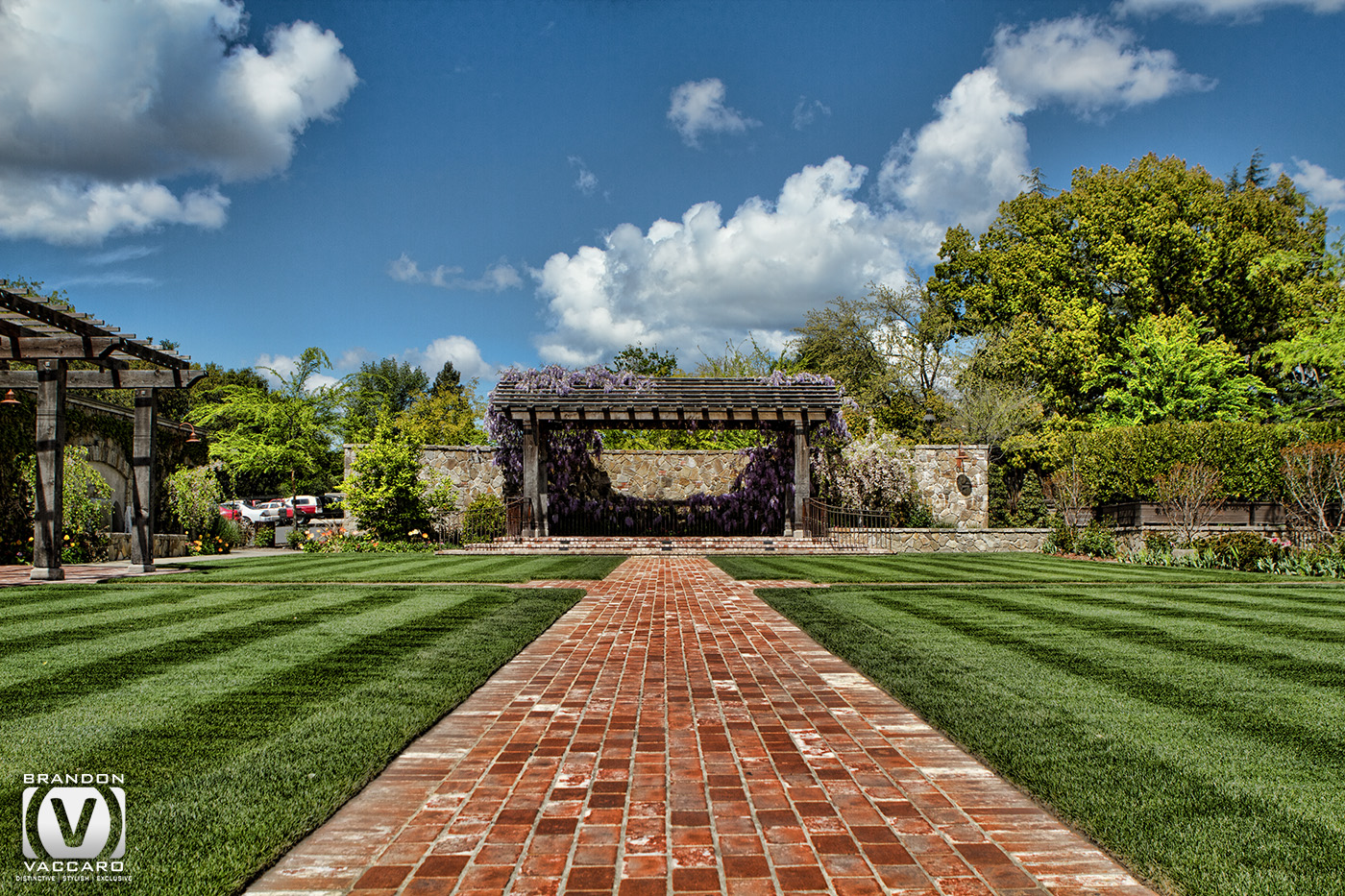 architecture-vintage-estate-napa-valley-main-lawn-commercial-photography.jpg