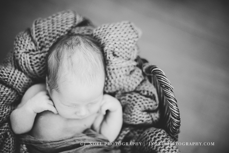 Austin lifestyle newborn photographer 37.jpg