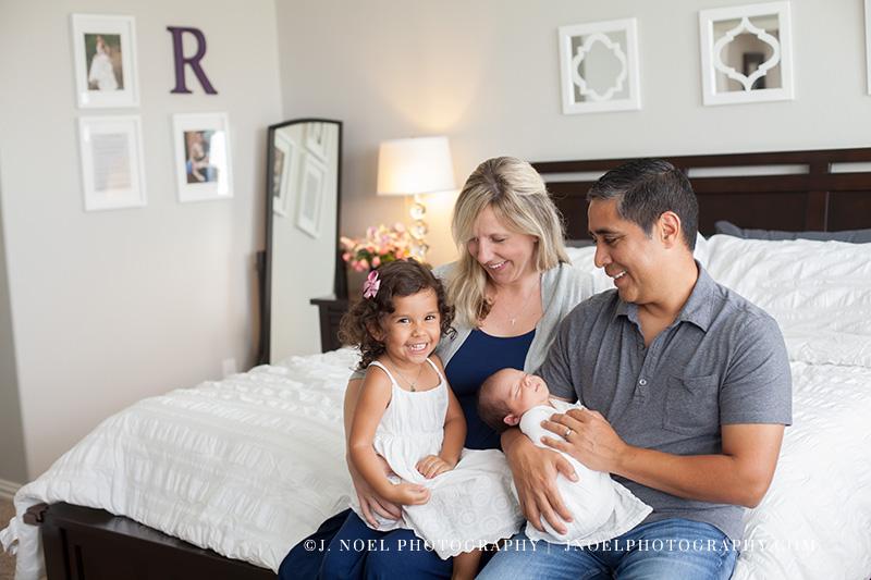 Austin lifestyle newborn photographer 11.jpg