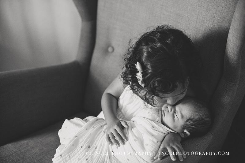 Austin lifestyle newborn photographer 16.jpg