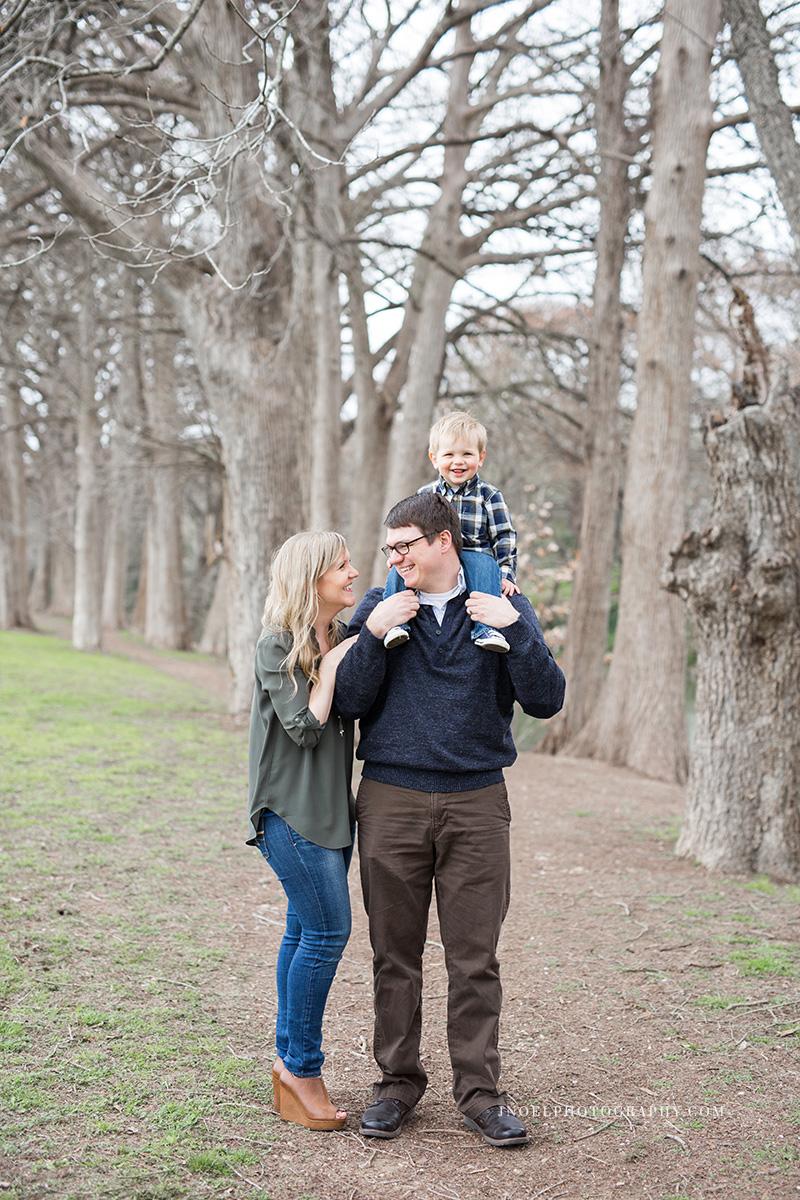 Family Photographer Austin TX 20.jpg