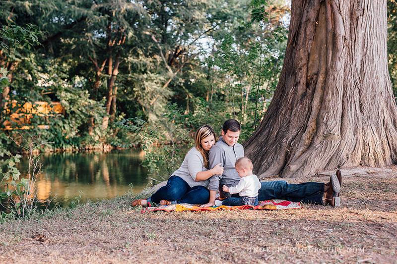 New Braunfels TX family photographer 9.jpg