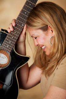 Leanna color With Guitar.jpg