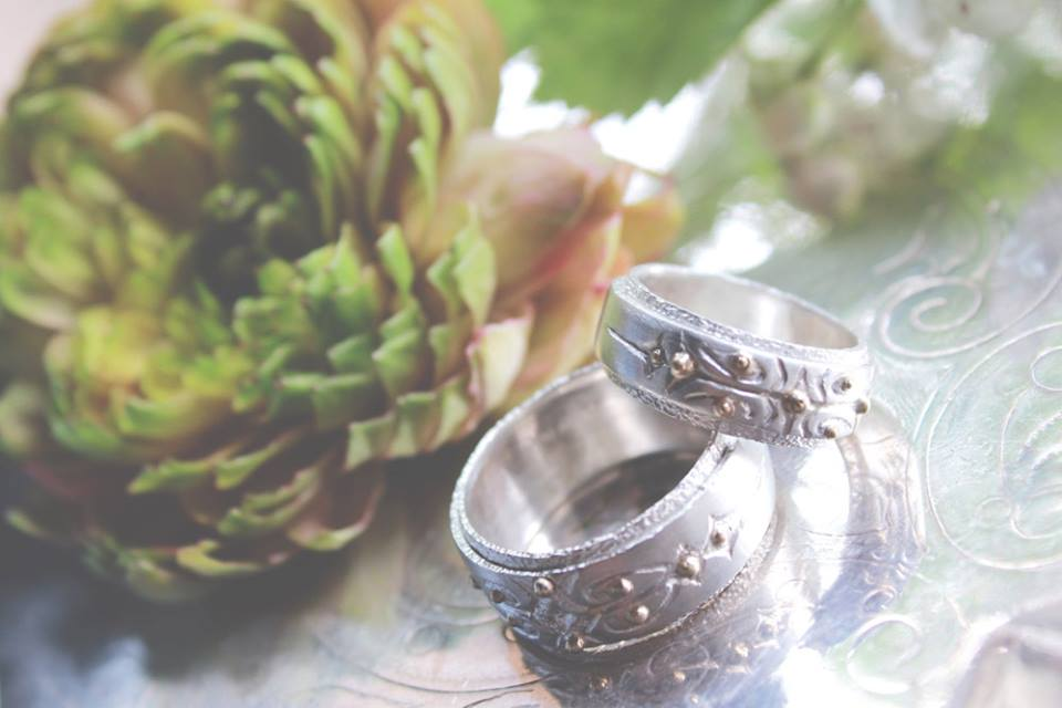 Boho Wedding with Woodsy Details in Vermont | Bridal Accessories