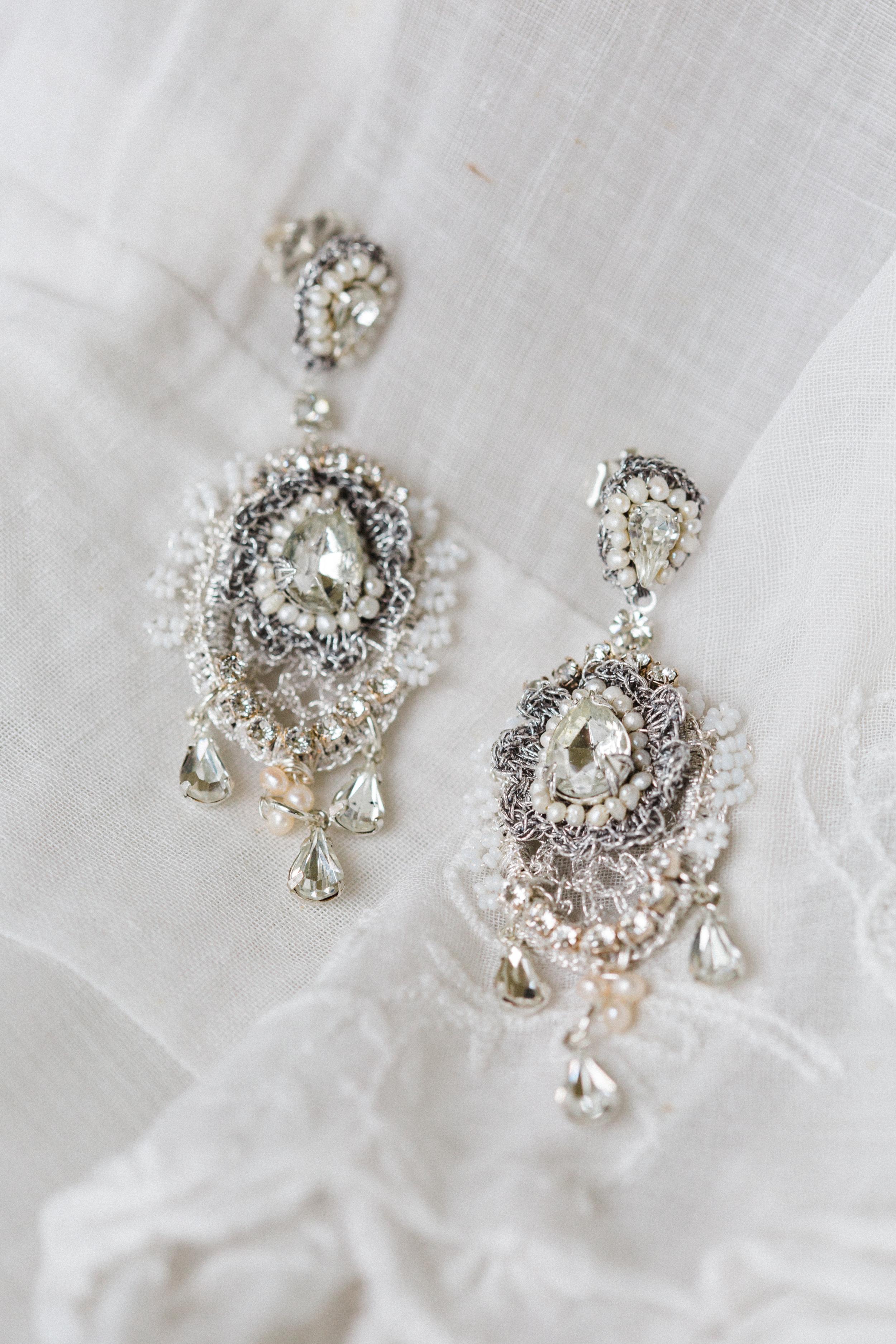 E16LIL Lilliane Earrings