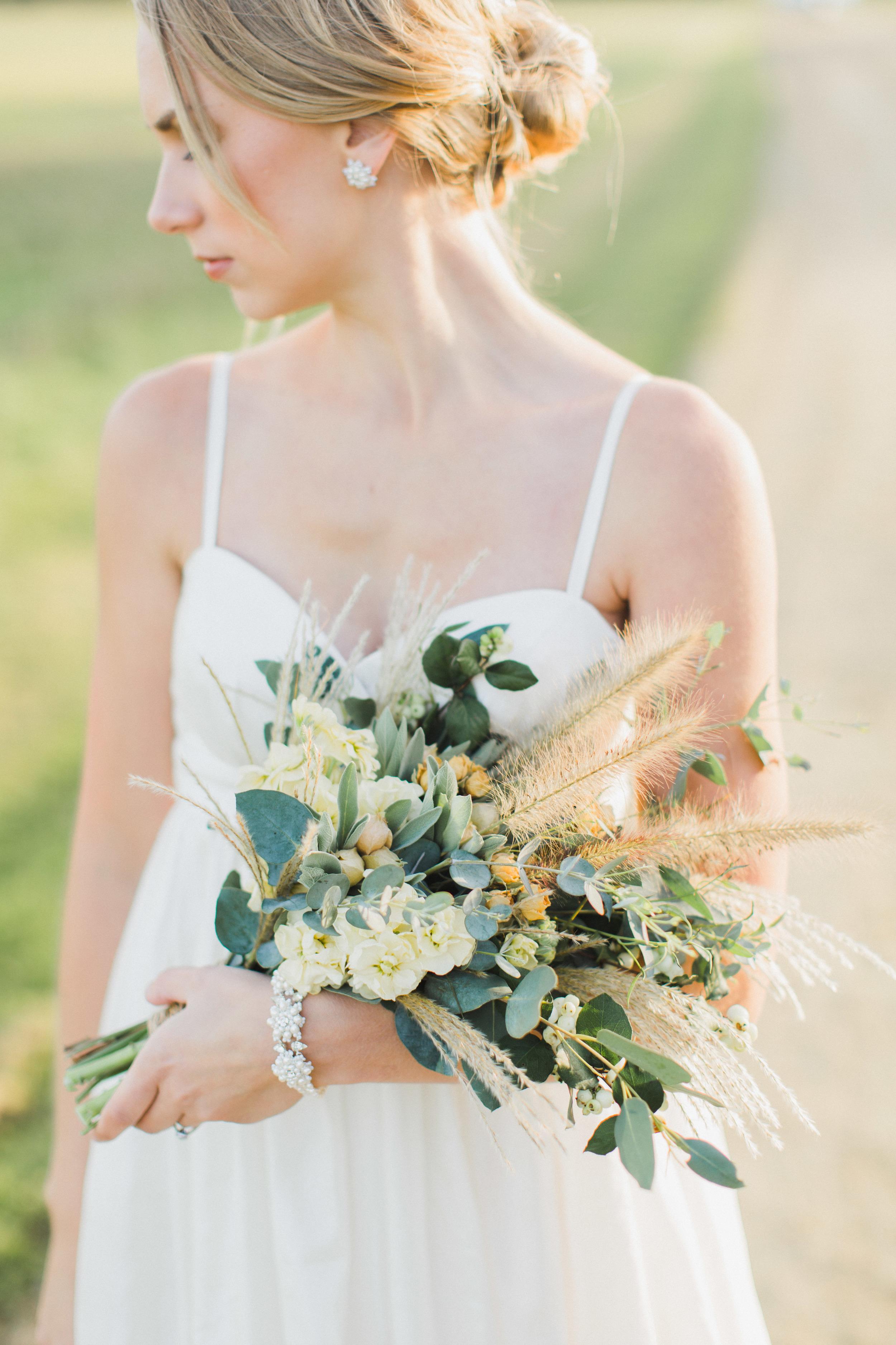 Rustic fall harvest wedding bouquet