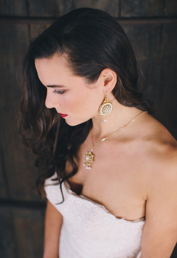 Gold, pearl and crystal lace bridal jewelry set