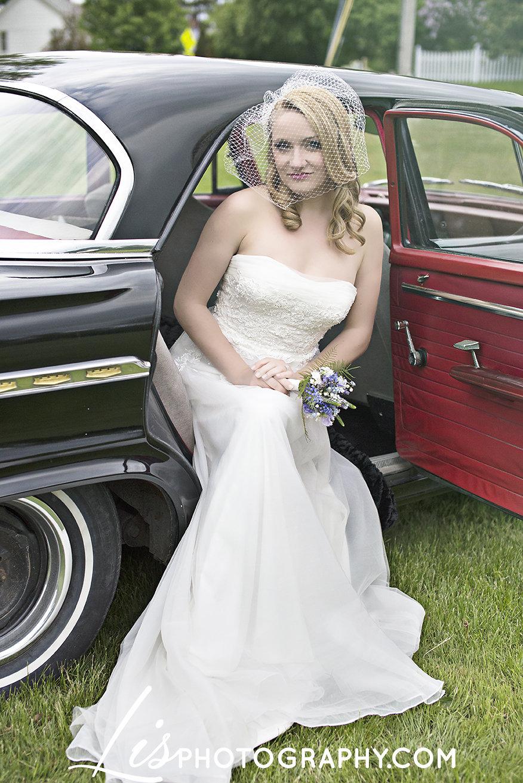 Vermont 1950s Inspired Wedding Inspiration | Edera Jewelry Blog