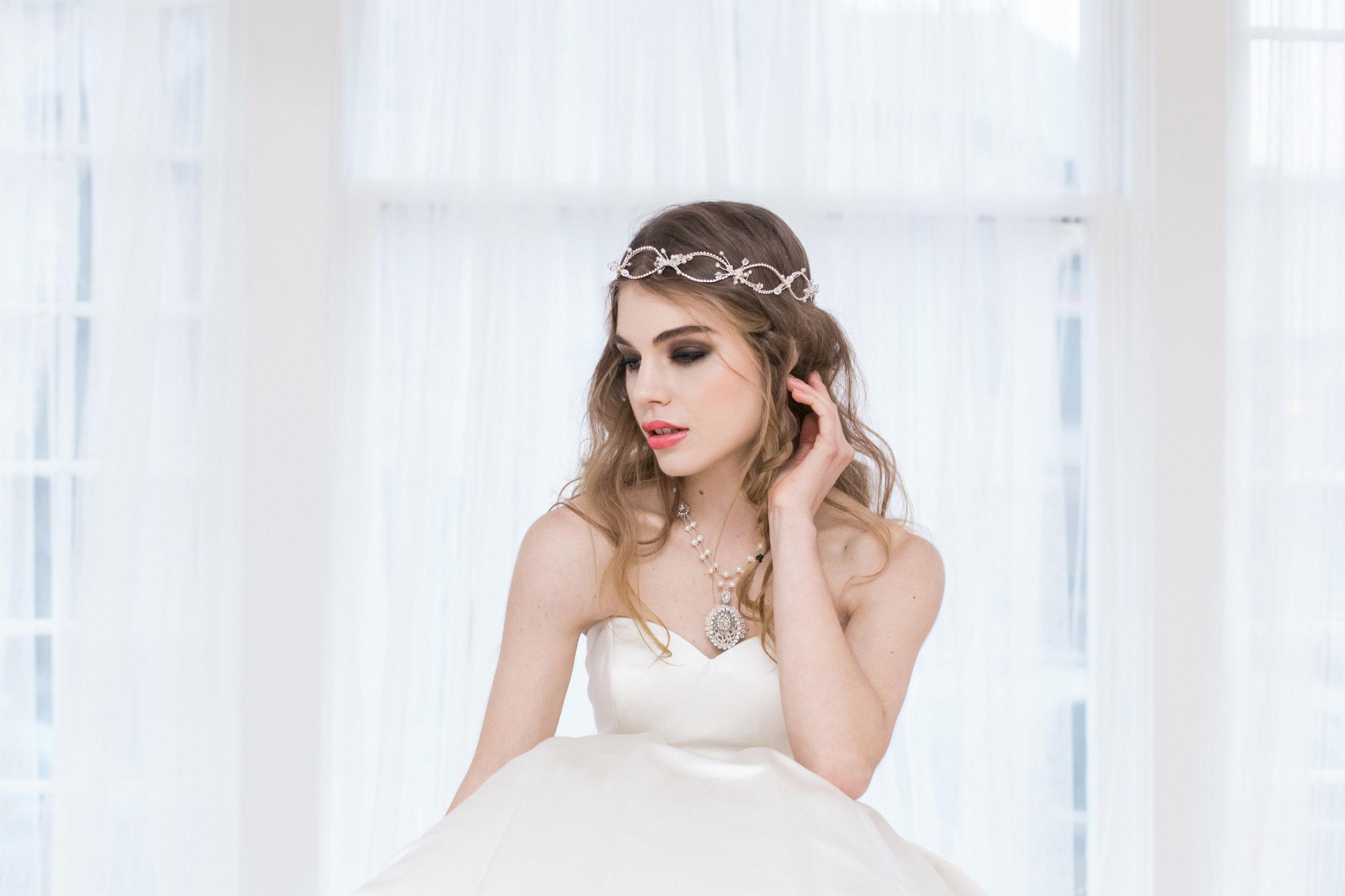"""Lilliane"" necklace with Kata Banko Headpiece & Gown"