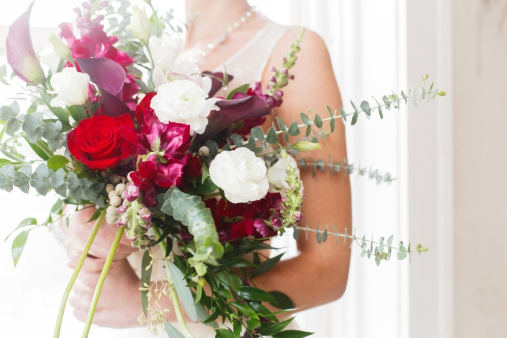 Red, Green and Gold Russian Wedding Inspiration | Edera Jewelry Blog