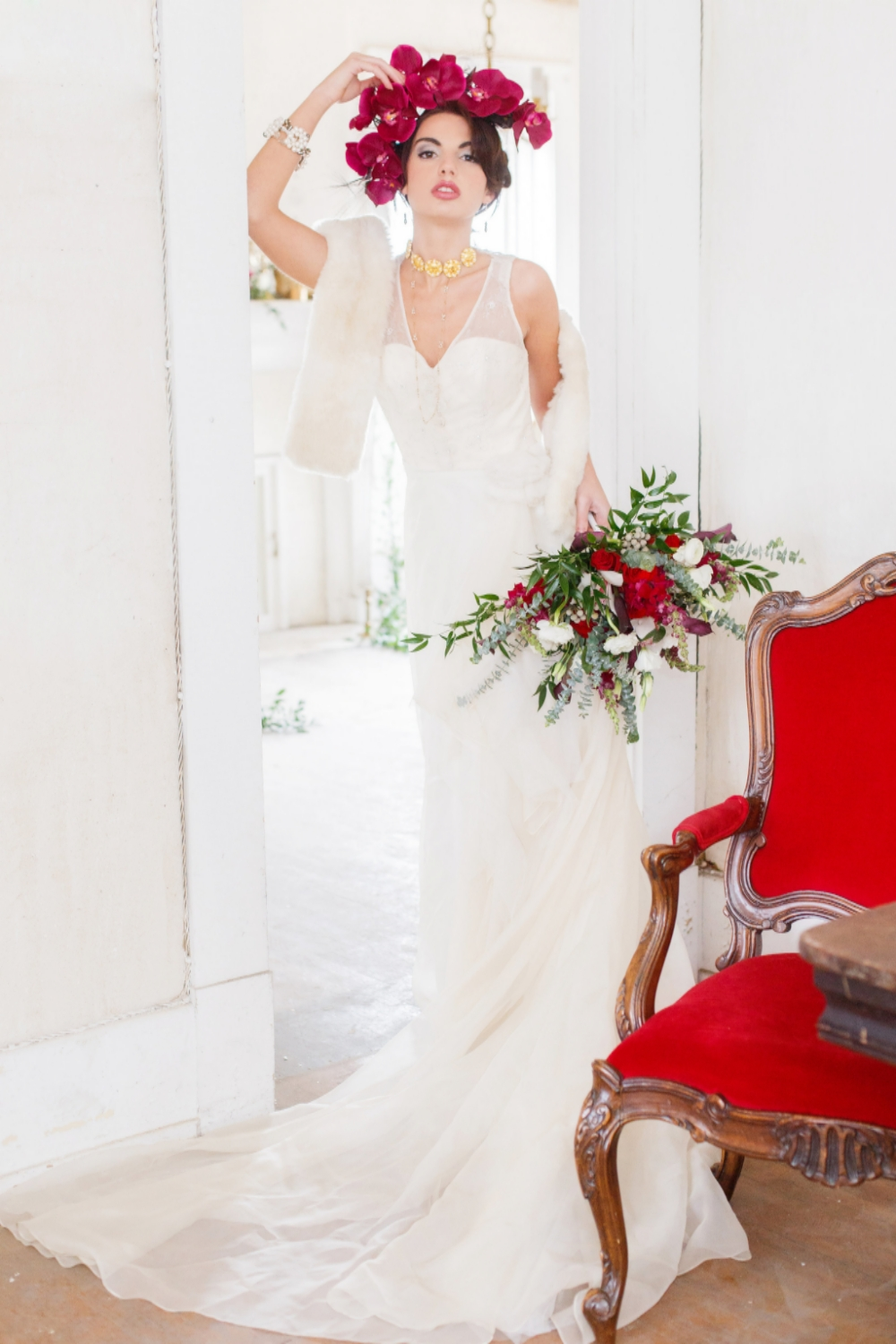 Red and White Russian Wedding Inspiration | Edera Jewelry Blog