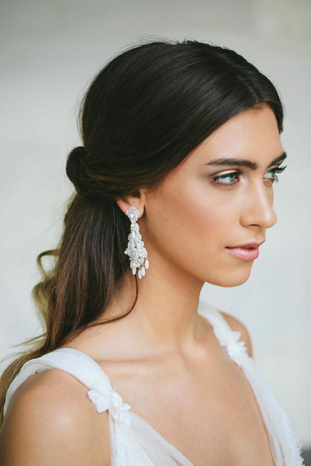Pearl Wedding Chandelier Earrings  Boho Teardrop Bridal Earrings — Edera  Jewelry  Couture Lace Bridal Accessories