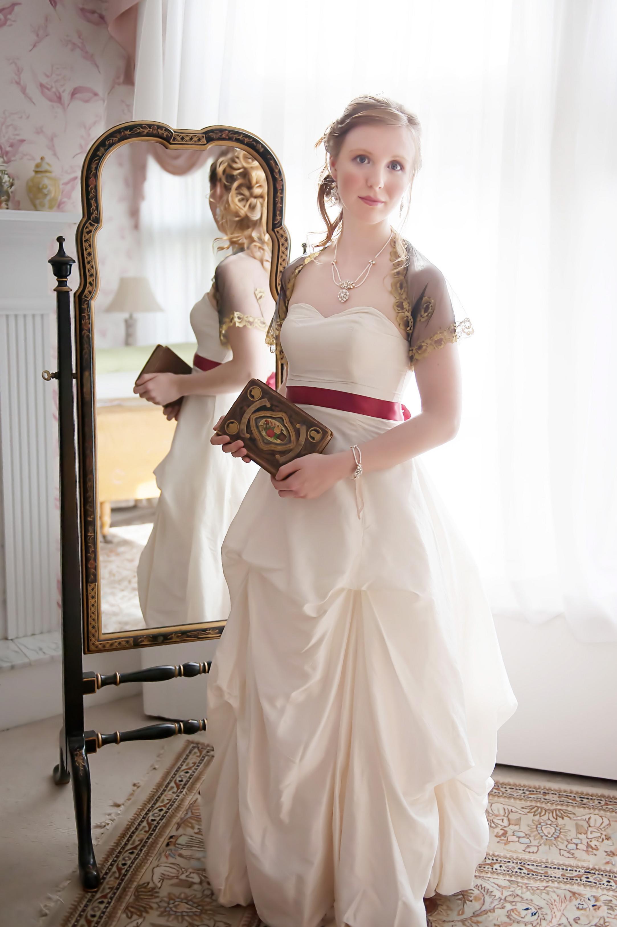 Gloriana Necklace, Earrings, & Bracelet
