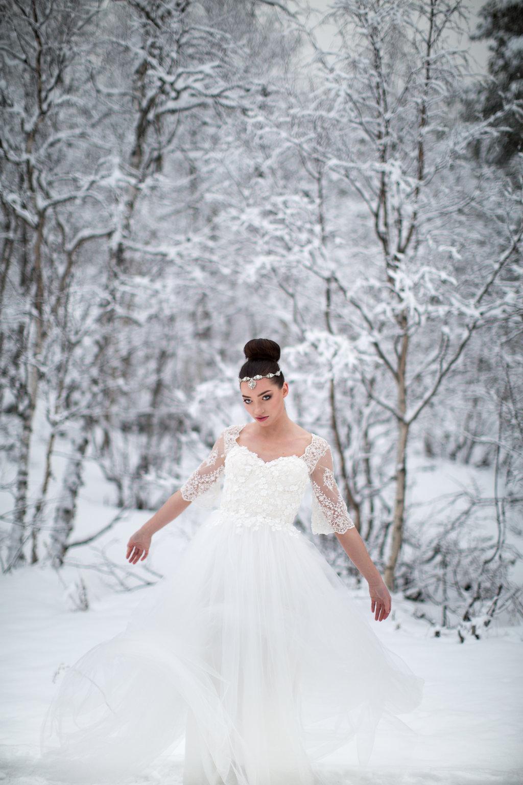 Edera Jewelry Blog | Winter Wedding Gown and Headpiece