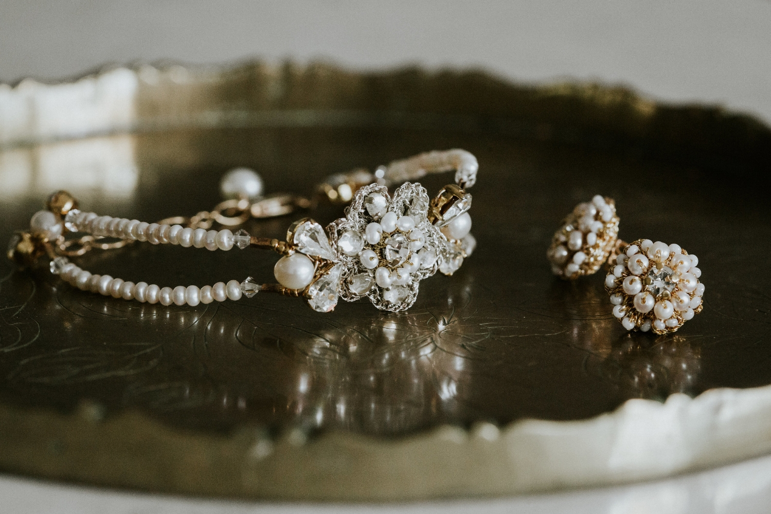 Edera Jewelry Blog: Bohemian Gold & Pearl Wedding Earrings and Bracelet