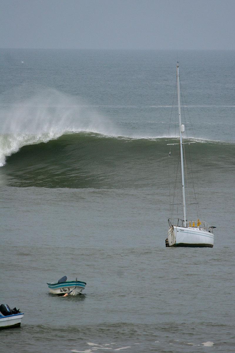 huge south swell, Panama
