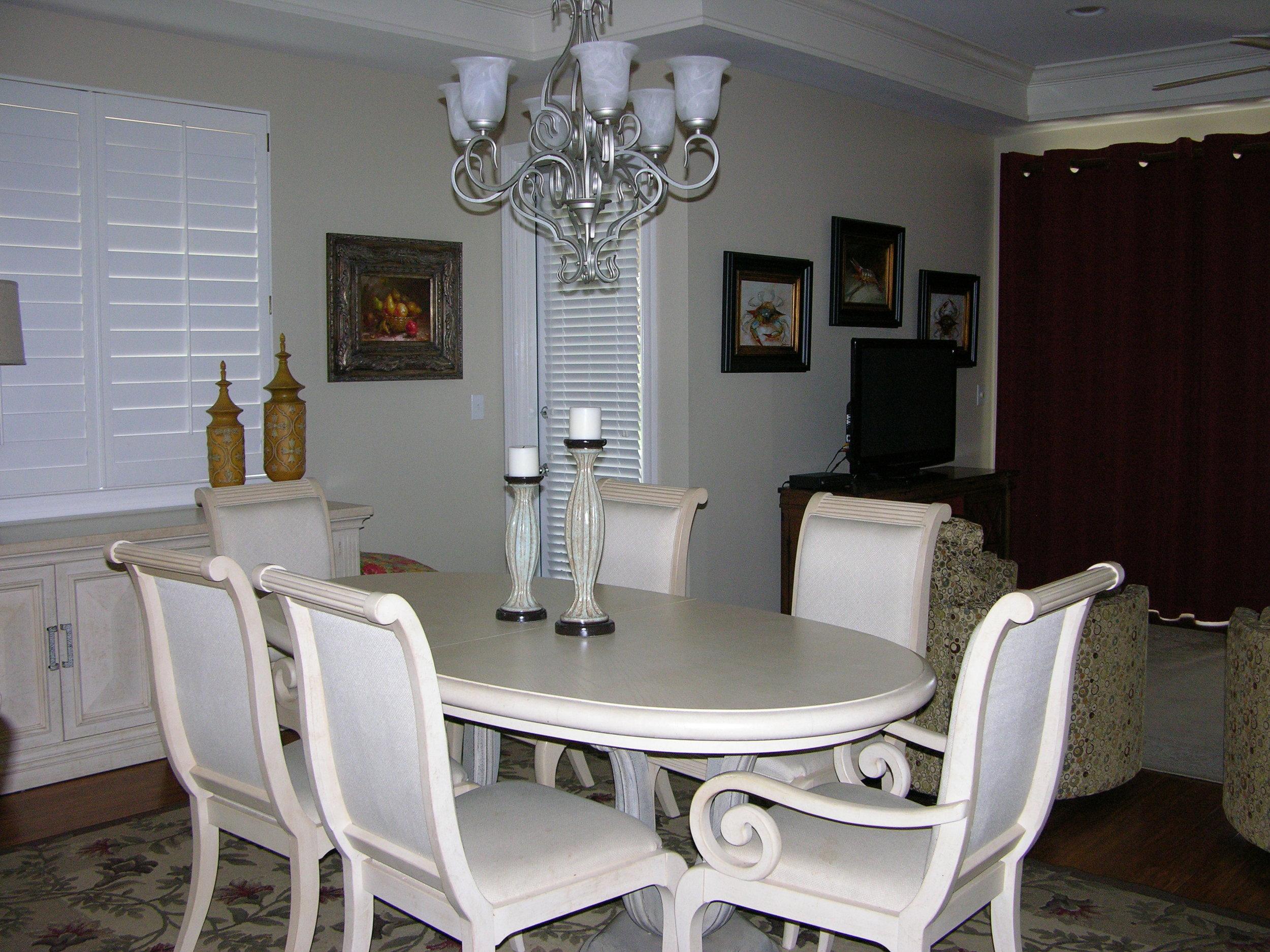 B-201 diningroom.JPG