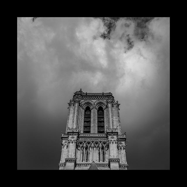 #2014 I'm about to reach for notre dame to take picture 5 years after this one with a lot of sadness.  #notredame #notredamedeparis #paris #fluctuatnecmergitur