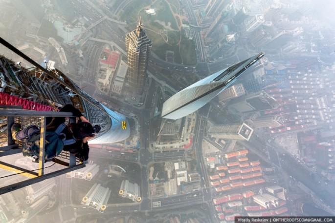On-the-Roofs-Shanghai-Tower-20-685x457.jpg