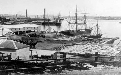Cuthbert's shipyard, which covered and extended the old Munn's wharf.  This 1871 image taken from Millers Point looking south towards the Australian Gaslight Company's works. State Library of NSW.