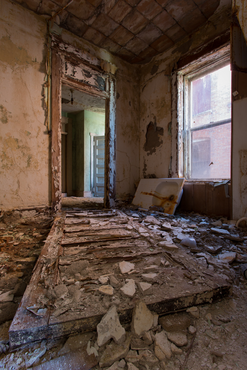 Hotel Room    |    Waldo Hotel    |    West Virginia
