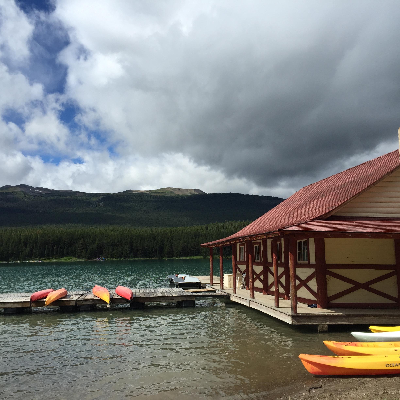 Maligne Lake, Jasper National Park - iPhone image