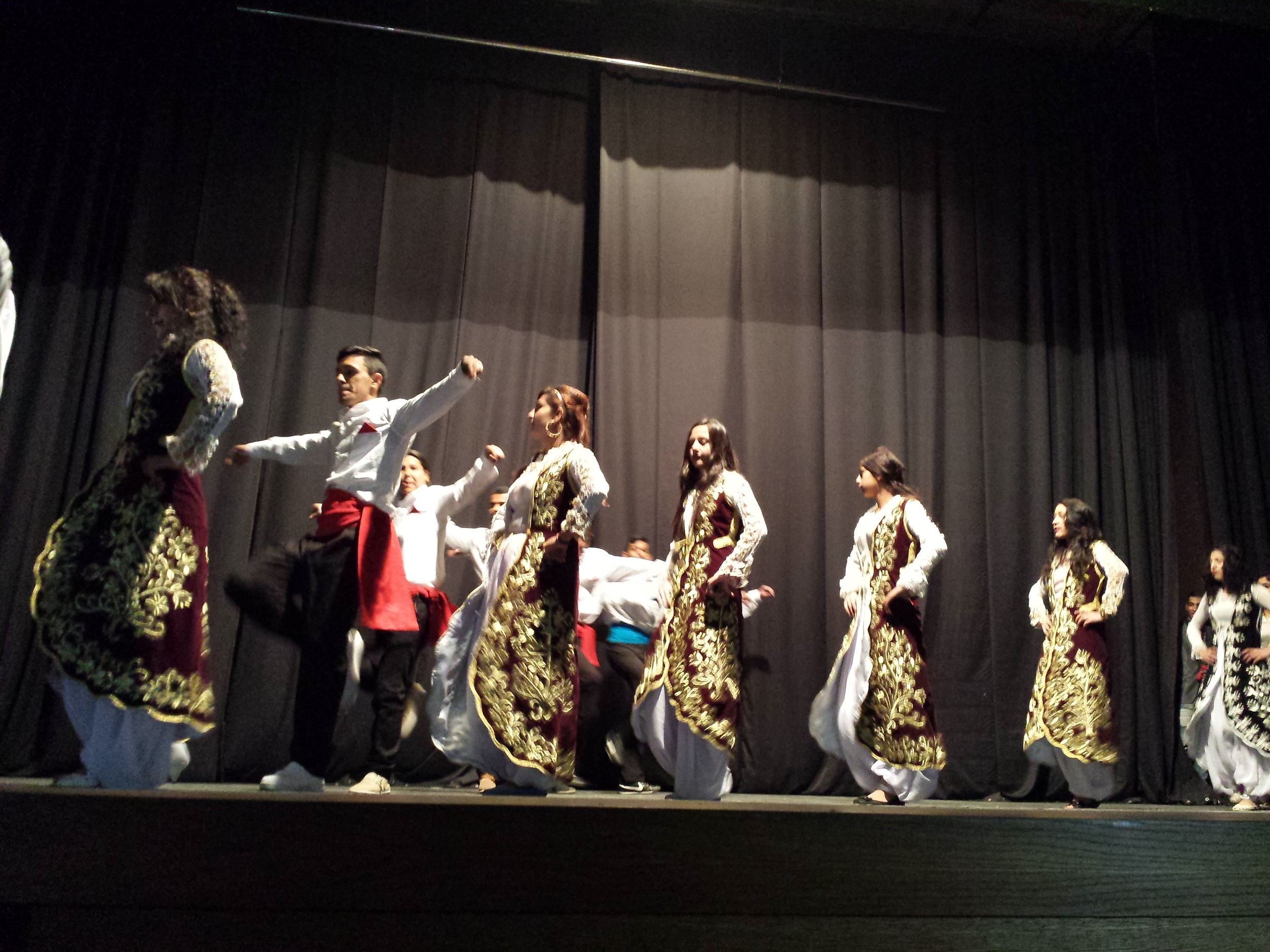 Shukarno Talenti perform in Mitrovicë/a