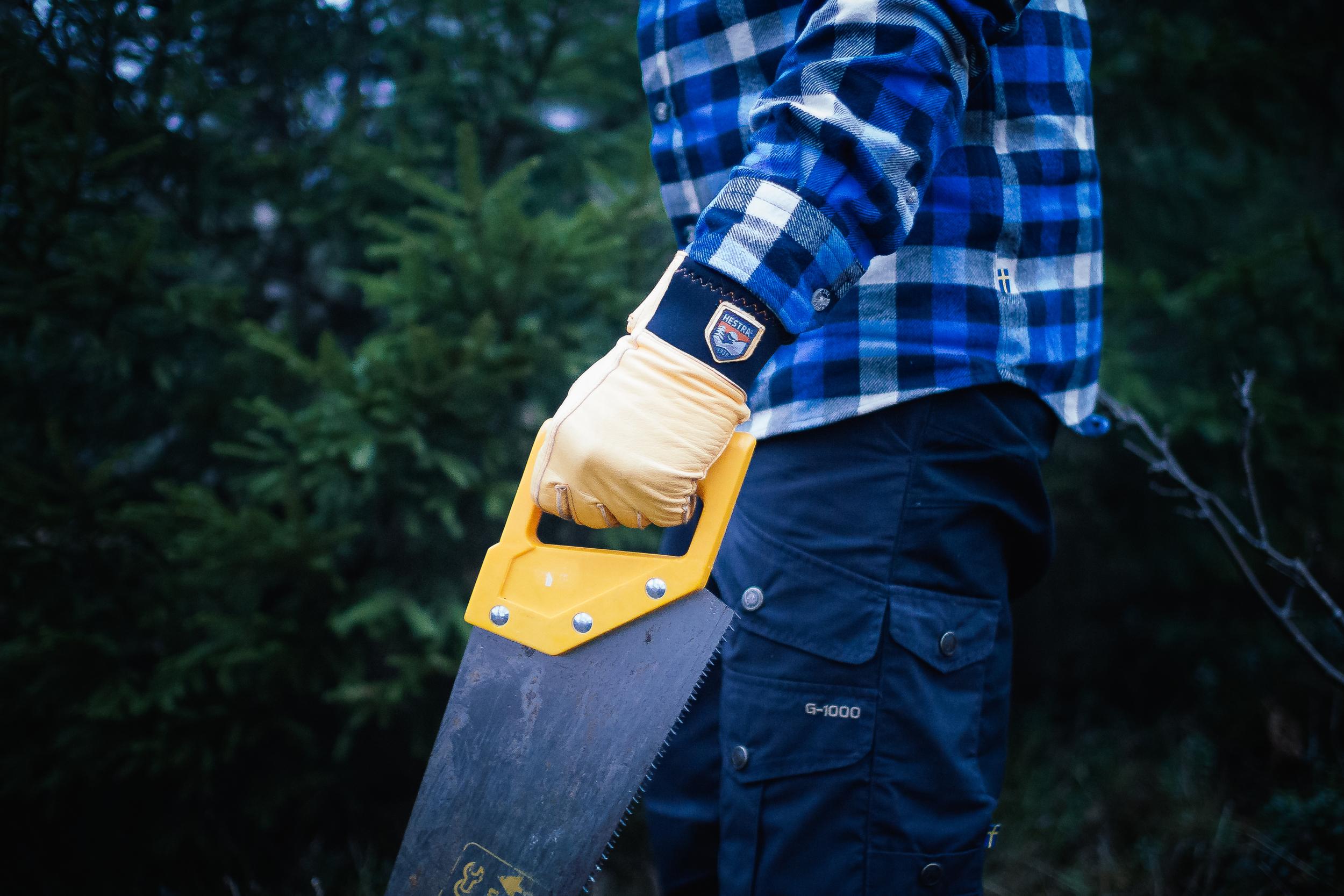 hestra-gloves-saw.jpg