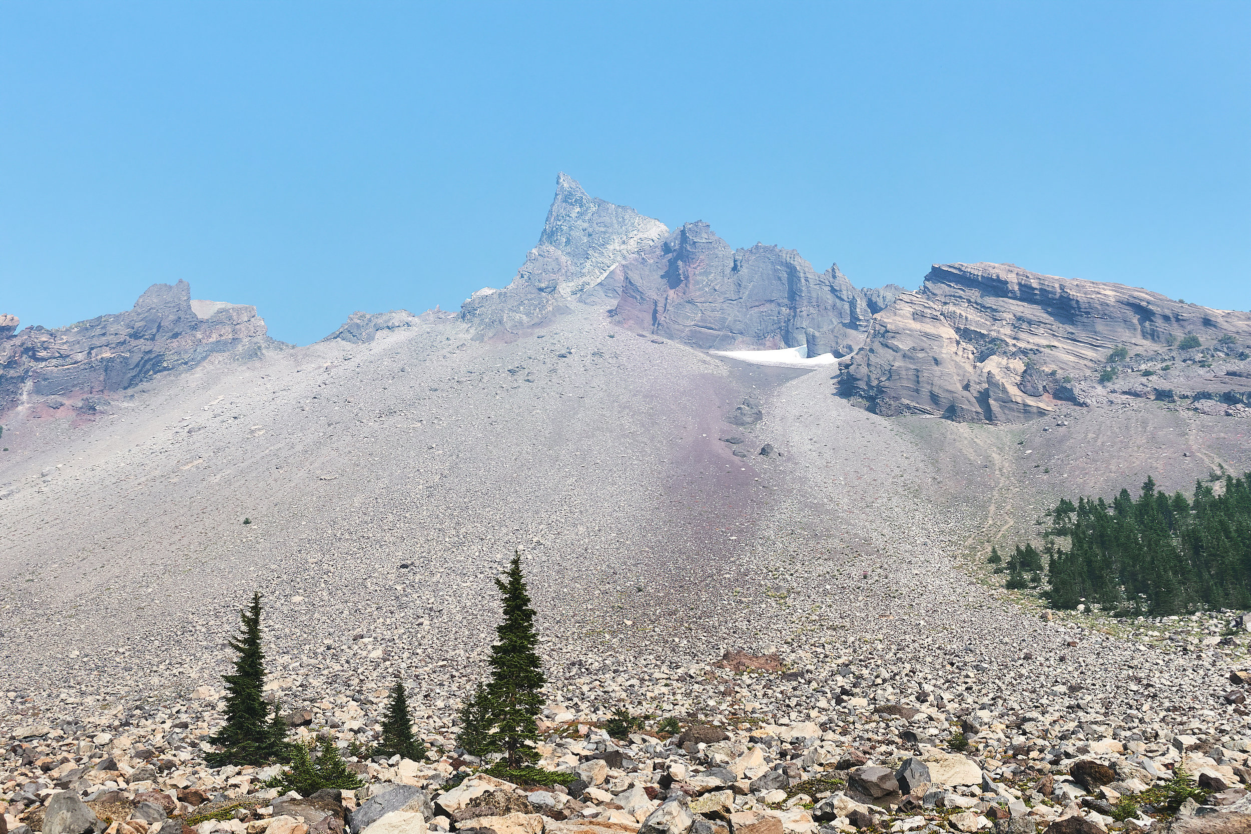 Mt. Thielsen from the trail.