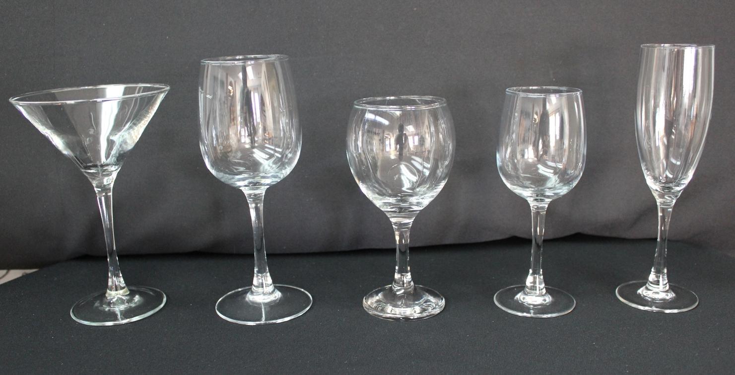 Glassware (Libby)   Martini Glass - $0.95 Each  10 oz. Red Wine Glass $0.50 Each  6.5 oz. Red Wine Glass $0.50 Each  6.5 oz. White Wine Glass $0.50 Each  Champagne Flute $0.95 Each