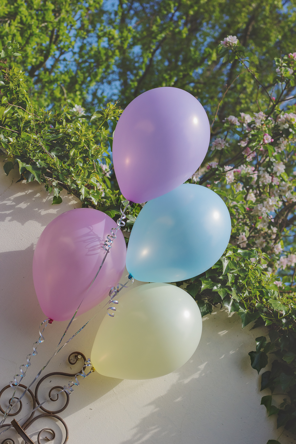 Soft pastel coloured helium party ballons in Tunbridge Wells