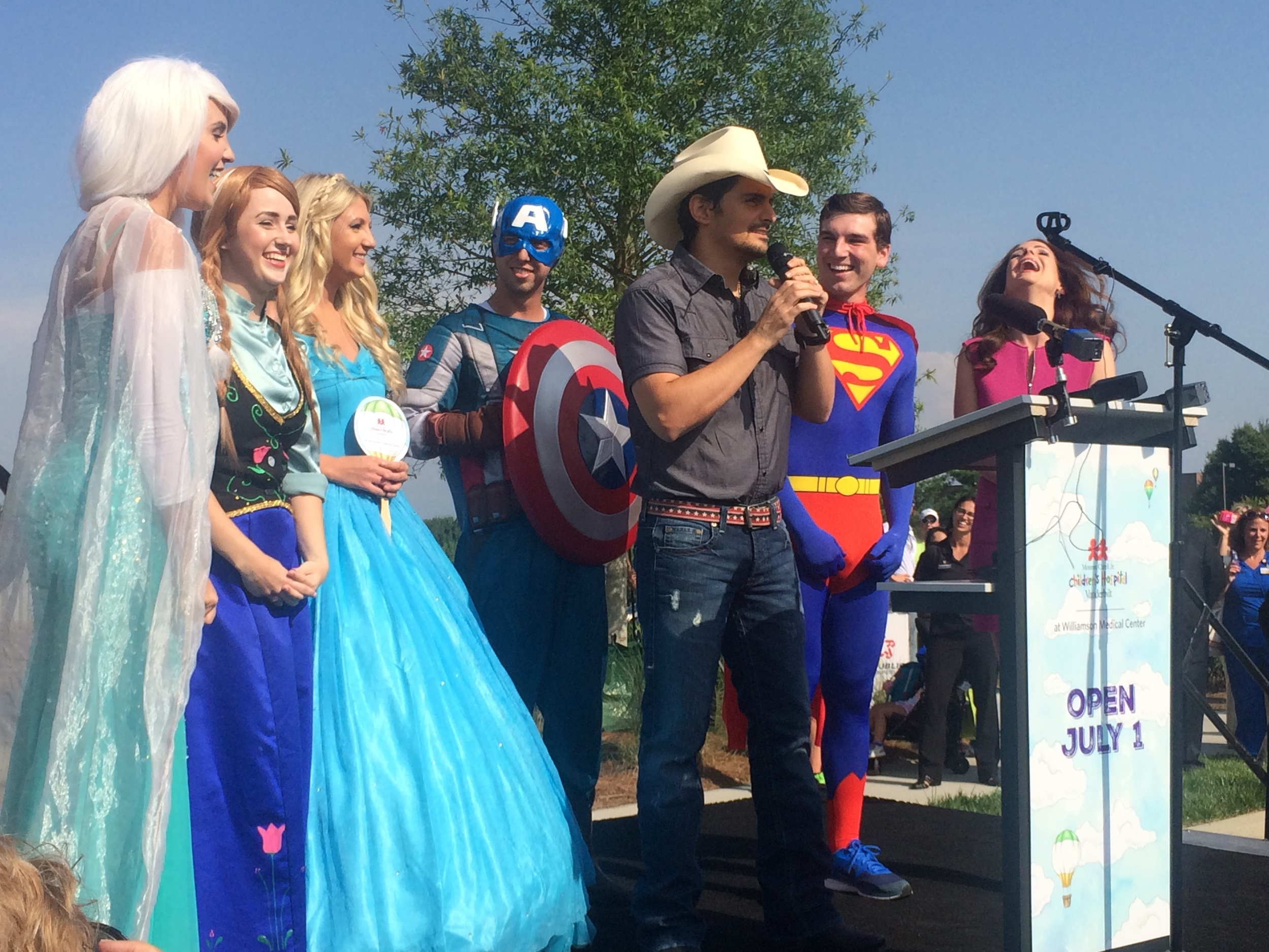 Brad Paisley, campaign honorary co-chair, speaks at a Close to Home Campaign event.