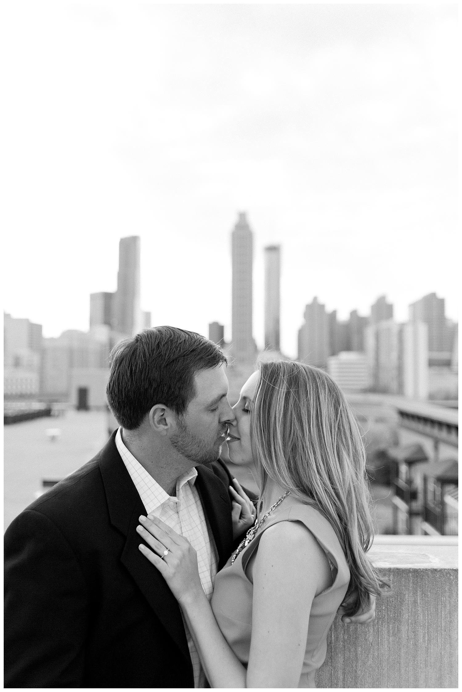 BloomandLo_Abigail&Kyle_Blog_Atlantaphotographer_Engagements_GrantPark_0014.jpg