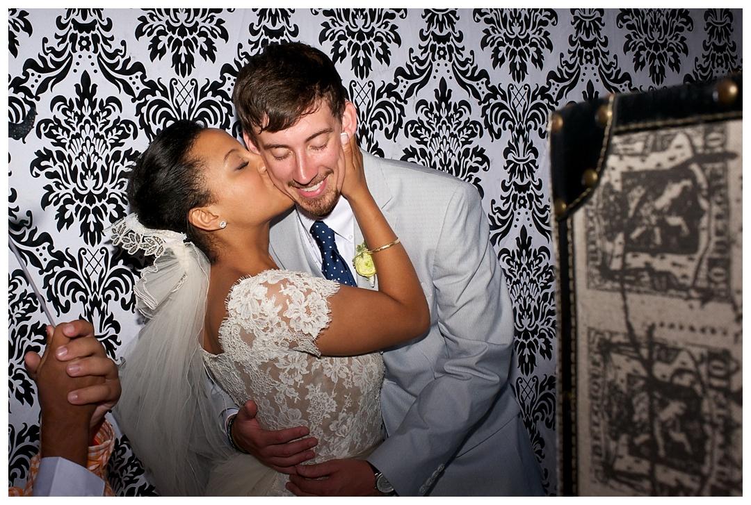 BloomandLo_AtlantaPhotographer_AmeliaTatnall_WeddingPhotography_Charleston_DestinationWeddings_SouthernWeddings_Paul&Whitney_LoeserWedding__0100.jpg