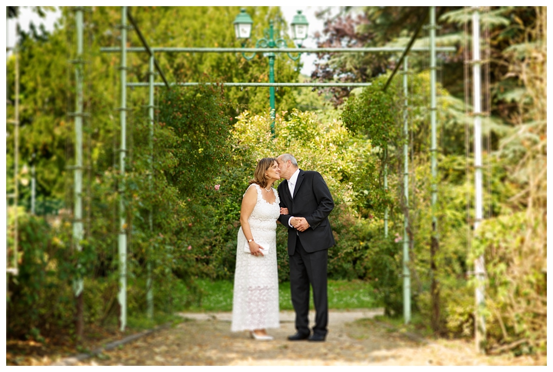 BloomandLo_AtlantaPhotographer_AmeliaTatnall_WeddingPhotography_DestinationWeddings_France_FrenchWedding_Taverny_Paris_BackyardWedding_CityHallWedding_JoelleandGheorghe_0014.jpg