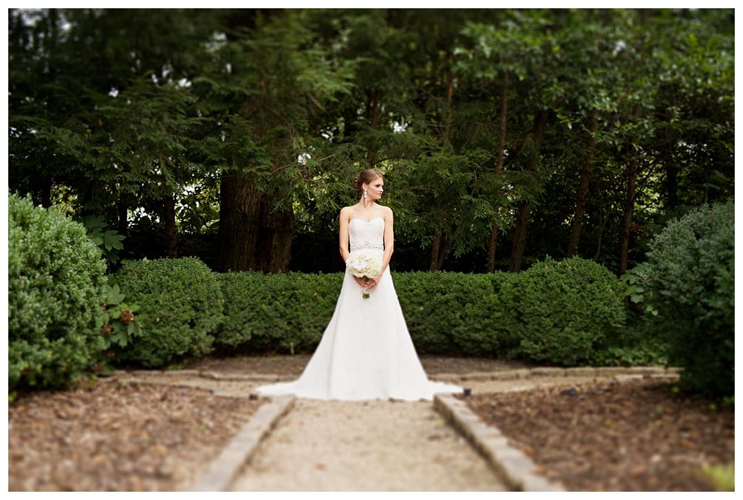 Bloom&Lo_AtlantaPhotographer_AmeliaTatnall_WeddingPhotographer_Katherine&Jackson_GriffethWedding_Mansion_SouthernWeddings_Atlanta_WestPacesFerry_0023.jpg