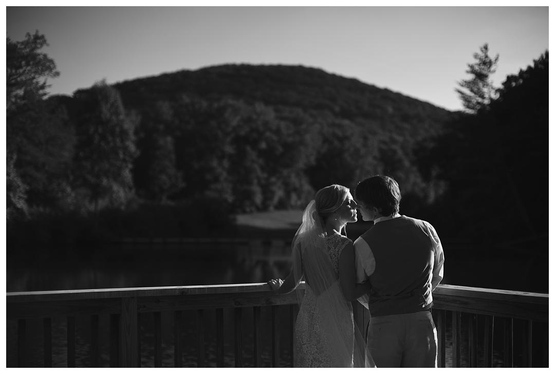 Bloom&Lo_AtlantaPhotographer_AmeliaTatnall_WeddingPhotographer_Anna&JadeWedding_BigCanoe_MountainWedding_Chapel_BlueridgeWeddings__0035.jpg