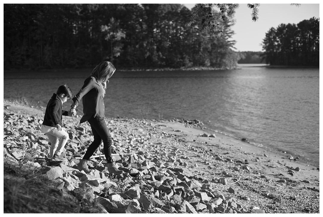 Bloom&Lo_AtlantaPhotographer_AmeliaTatnall_FamilyPortraits_LifestylePhotographer_FragaFamily_LakeLanierPhotos__0003.jpg