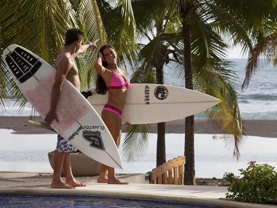 Daystar Diamante del Sol Surfing.jpg