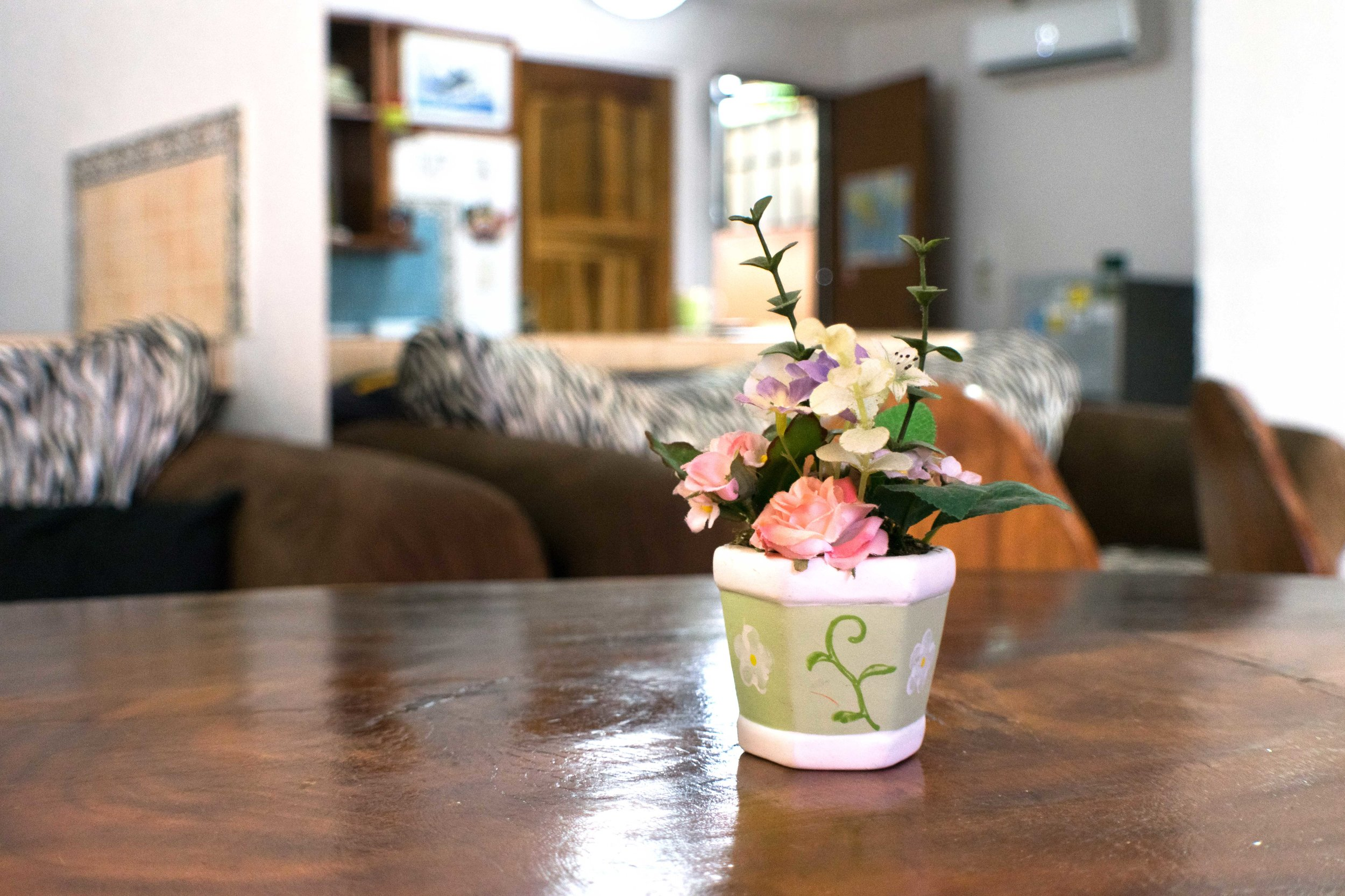 Condo5.flowers.jpg