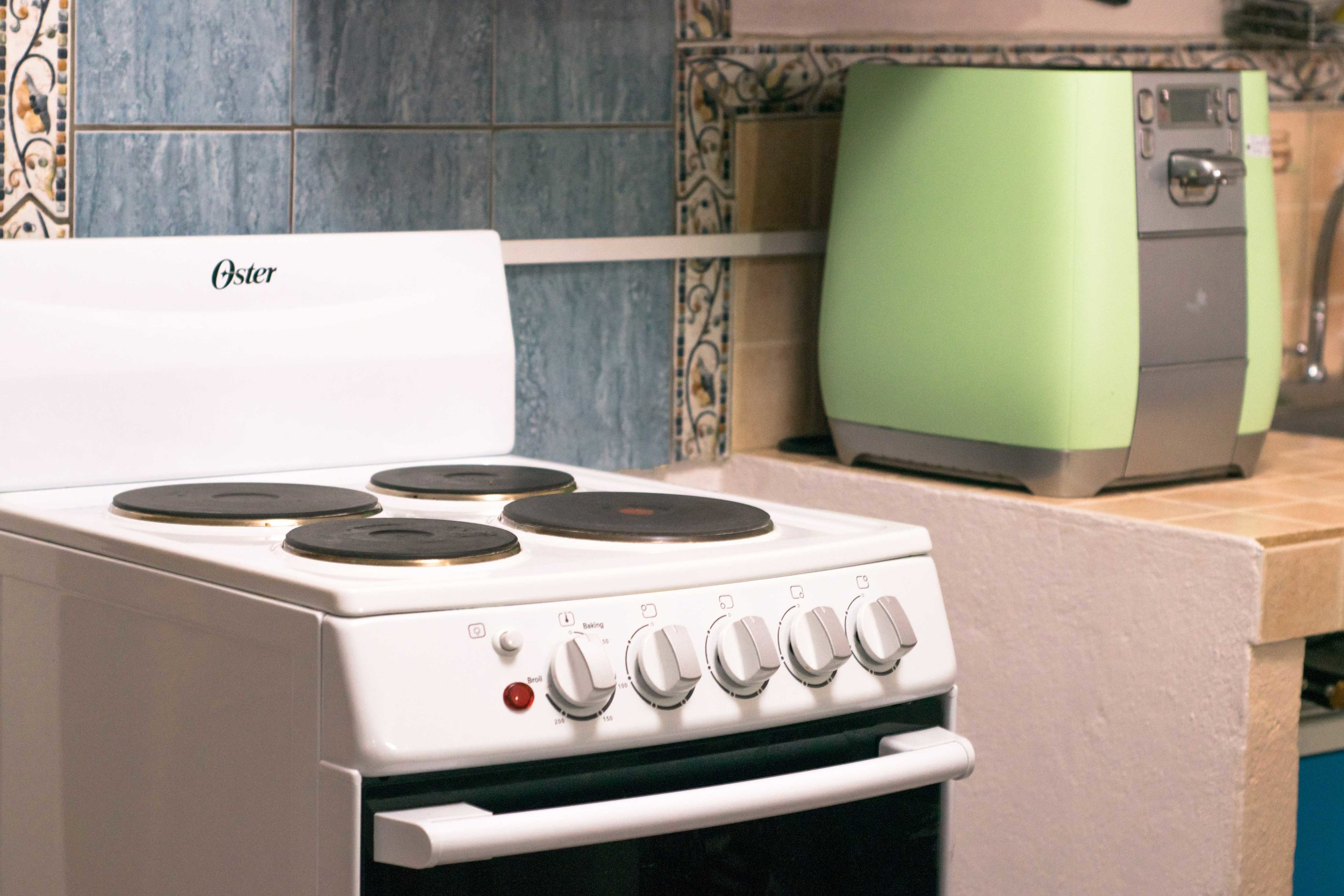 Condo7.kitchen.jpg