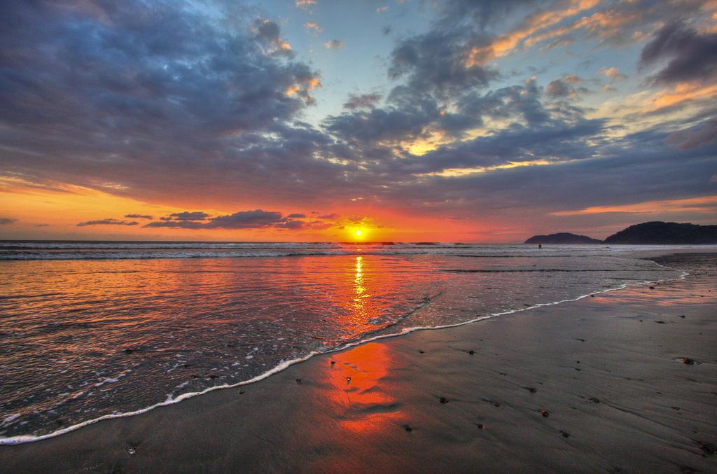 jaco sunset 2.jpg
