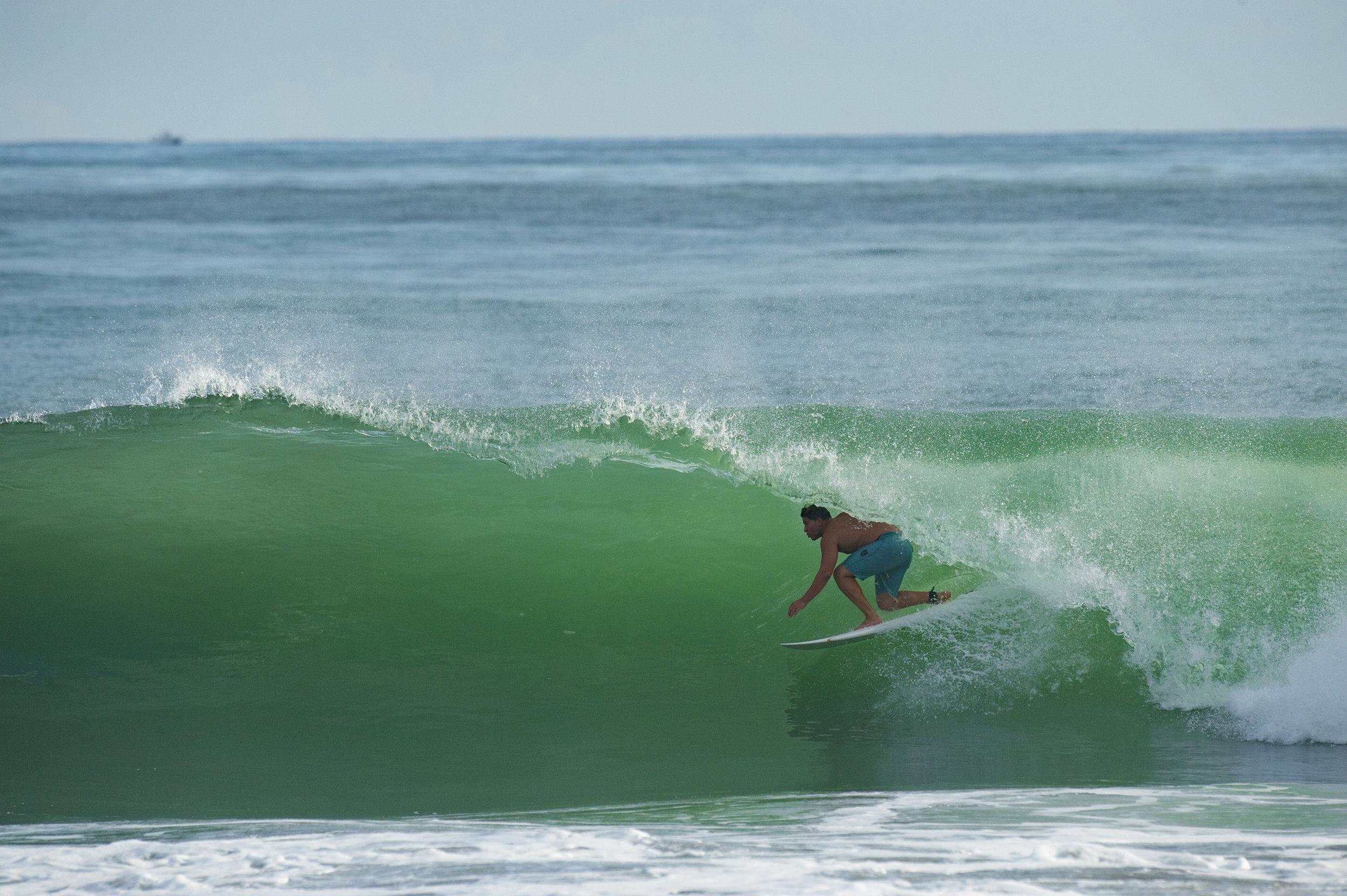 Photography: Randall Ortega / Surfs up!