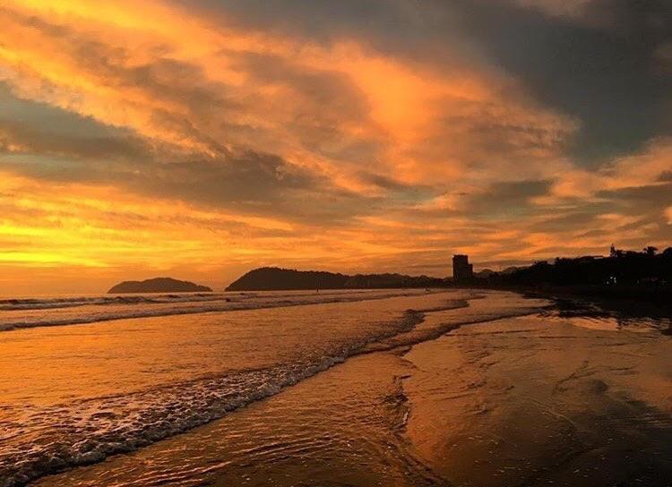 jaco sunset.jpg